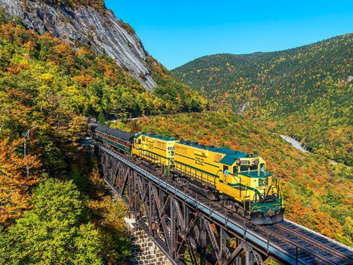 Fall Foliage Ride & Dine (North Conway, NH)