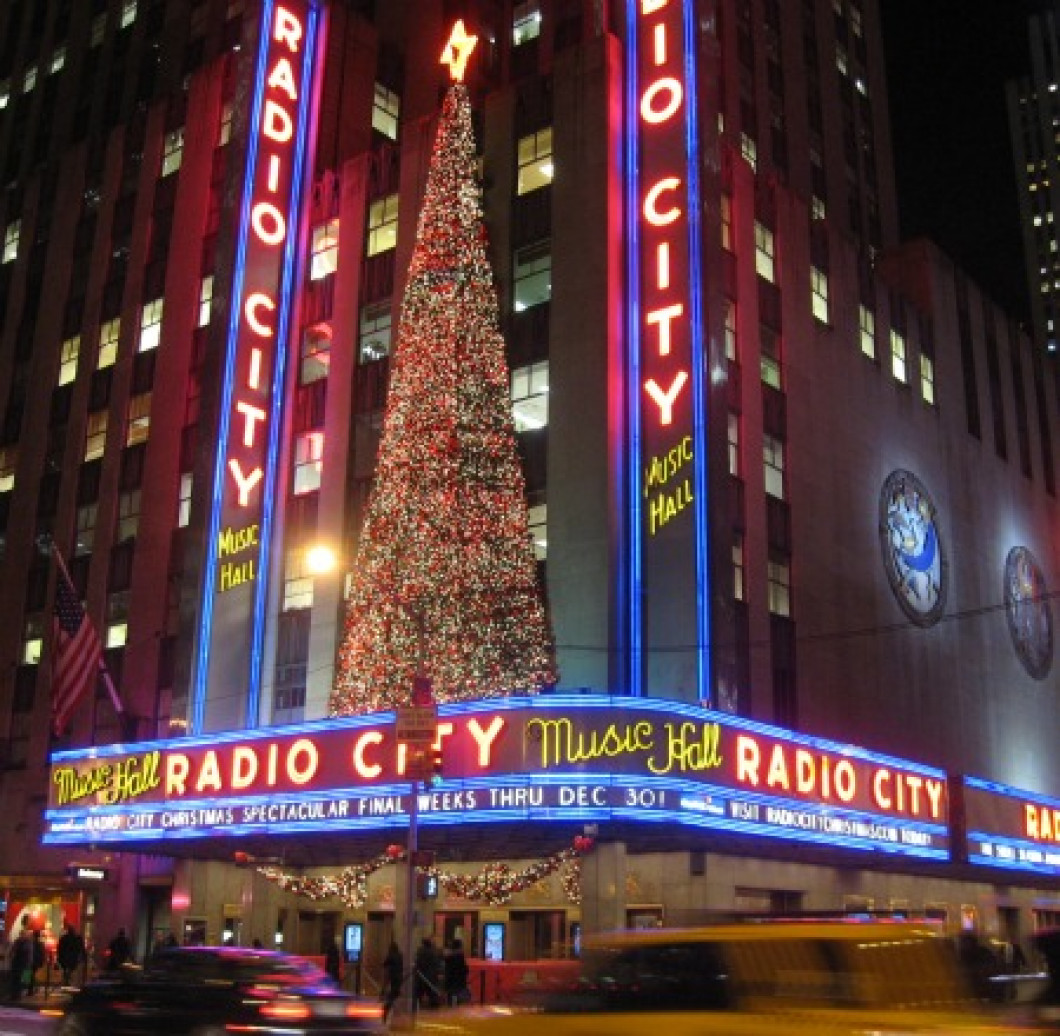 Christmas In New York.New York Christmas Spectacular 12 14